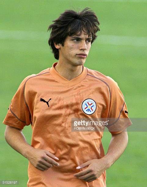 Paraguay star striker Roque Santa Cruz runs at a training 11 June 2002 at Jeju World Cup stadium in Seogwipo South Korea Paraguay meet Slovenia 12...