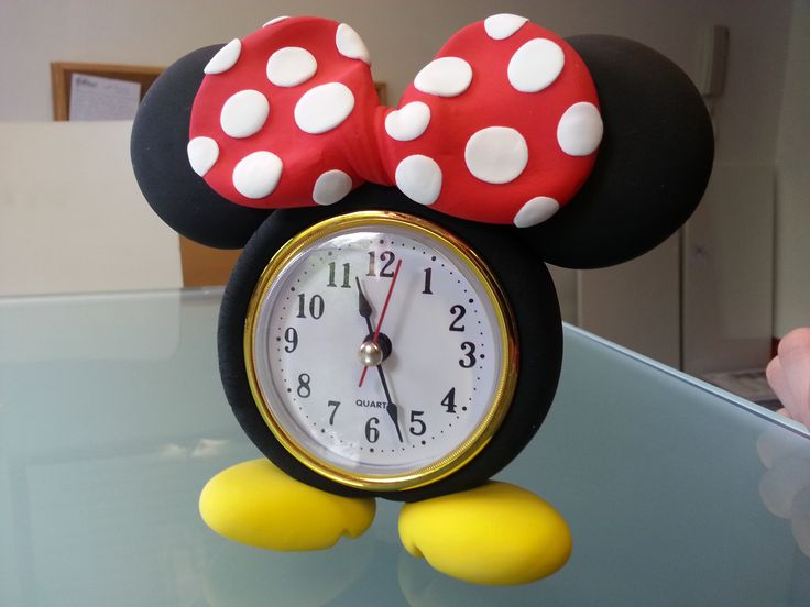 What's the time Minnie Mouse? What would you make with the world's best air drying modelling clay? - JumpingClay