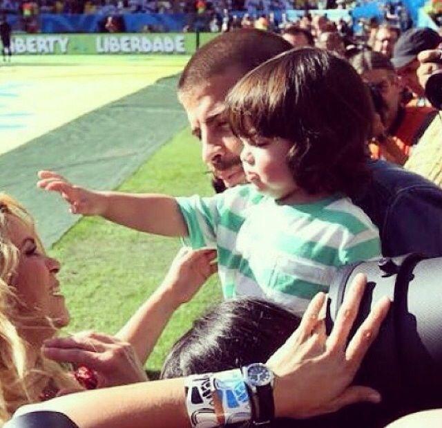 La bella Shakira, su amado Pique y su hermoso hijo Milan en Brazil para el final del mundial de football