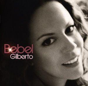 En 2000, Bebel Gilberto fait une entrée remarquée sur le devant de la scène musicale brésilienne puis internationale avec son superbe Tanto Tempo. Attendue au tournant, elle revient quatre ans plus tard avec un second album éponyme Bebel Gilberto. Les...