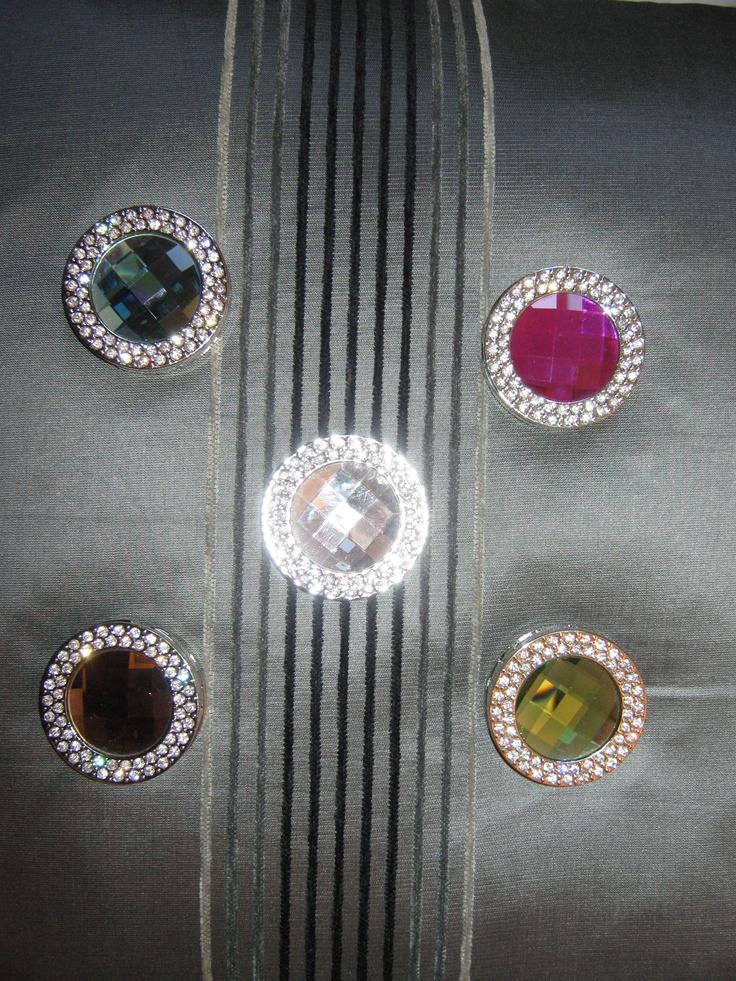 Foldable purse hooks from Hook-Her  www.hook-her.net  Great selection from Hook-Her!