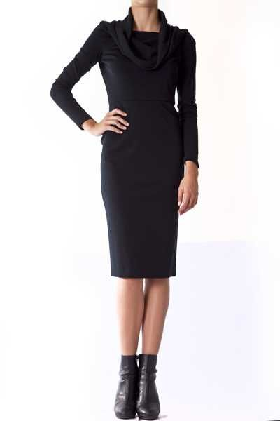 http://www.vittogroup.com/prodotto/christian-dior-paris-vestito-nero-collo-sceso/