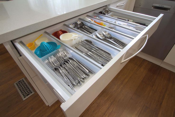 This kitchen is simple yet elegant, light and bright. Cutlery drawer with no wasted space. www.thekitchendesigncentre.com.au @thekitchen_designcentre