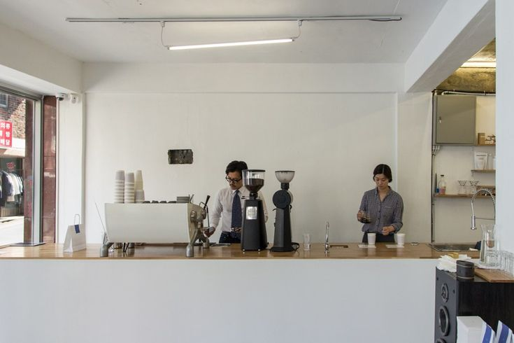 Felt coffee in Seoul near Sinchon station. Minimal interior design.