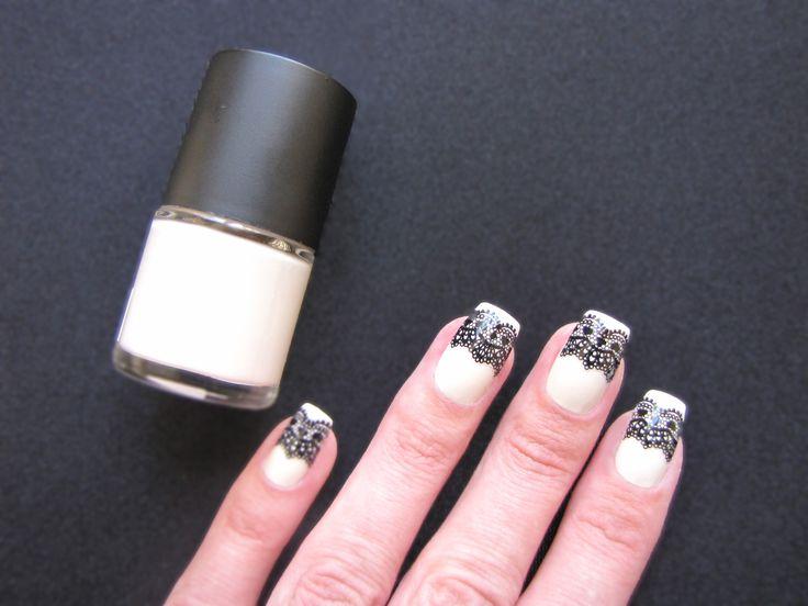 Lace Nails : iZ Beauty of London Deco iT Vintage Lace nail decals..