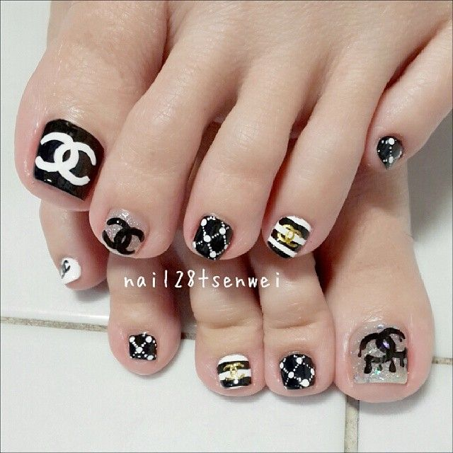 20 Black Nail Artists On Instagram Who Slay The Manicure: Best 20+ Chanel Nails Design Ideas On Pinterest