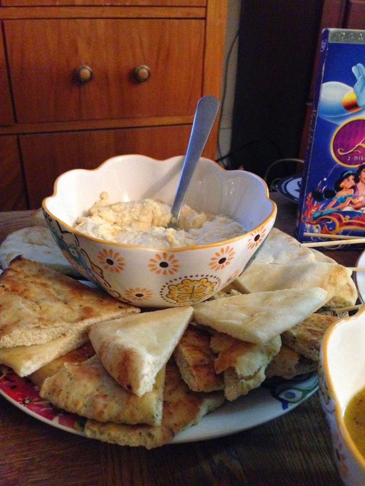 Aladdin Theme Dinner: Jasmine's Hummus and Naan