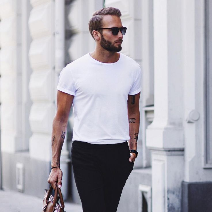 """Erik Forsgren, Paris France erik.forsgrenStreets of Paris My friends at @chimieyewear has a crazy """"Black Friday"""" deal right now, check them out! #ad in collaboration with chimieyewear (@erik.forsgren) på Instagram"""