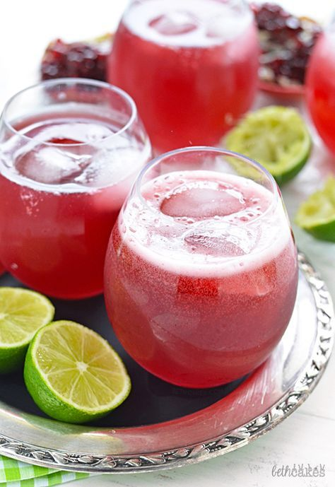 Sparkling Pomegranate Margaritas! Easy and only 4 ingredients. bethcakes.com.