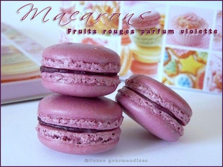 Macarons aux fruits rouges parfum violette
