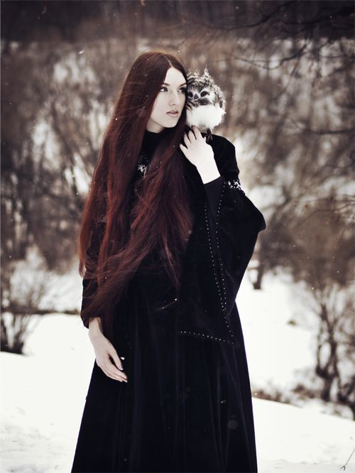Owl upon her shoulder: Medieval Clothing, Winter, Red Hair, Fantasy Books, Witch, Baby Owl, Snow, Beautiful, Fantasy Character