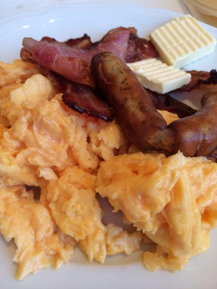 Frühstück im Hotel mit wow Effekt: Rührei von Hühnern aus Freilandhaltung. Das muss gelobt werden !