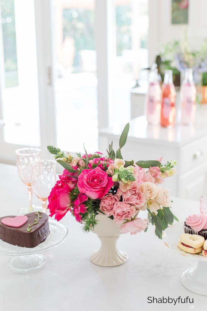 Simple Floral Arranging Tips Gradient Centerpiece Floral