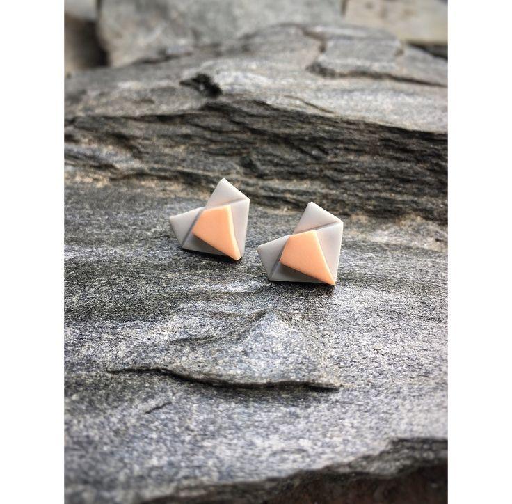 Origami fox earring studs Origami kettu nappikorvakorut  made by CherryAnn Suomalaista käsityötä/ Made in Finland www.madebycherryann.com Instagram @madebycherryann Facebook Made by CherryAnn