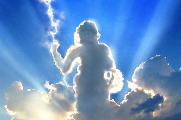 【奇跡の一枚】自然が作り出す奇跡の雲!20選 | Amp
