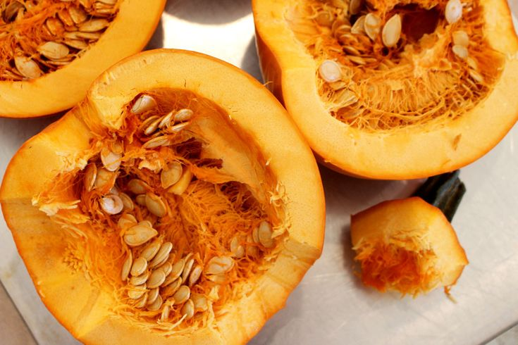 Learn how to your own pumpkin puree and roasted pumpkin seeds! | Welcome to Nana's #thanksgiving #pumpkinpuree #pumpkinseeds #recipe #welcometonanas