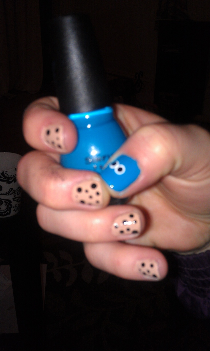 Cookie Monster nails:) maddi would like this
