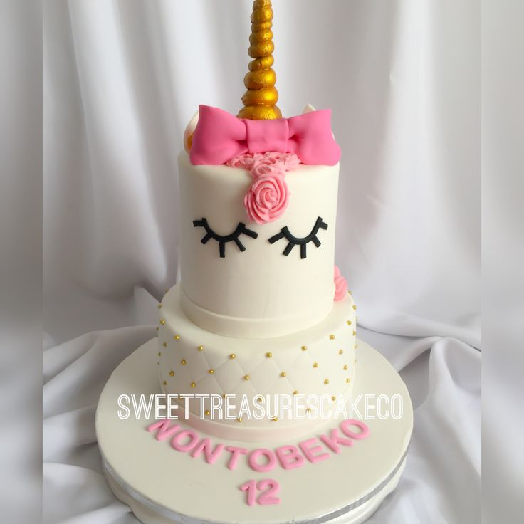 Loved making this #unicorn #cake for #nontobeko who turned #12 🎉. #chocolate and #vanilla#cake dotted with #pearls 😍. #ribbon #bow #gold #southafrica #joburg #johannesburg #sweettreasures #sweettreasurescakeco #sleepyeyes