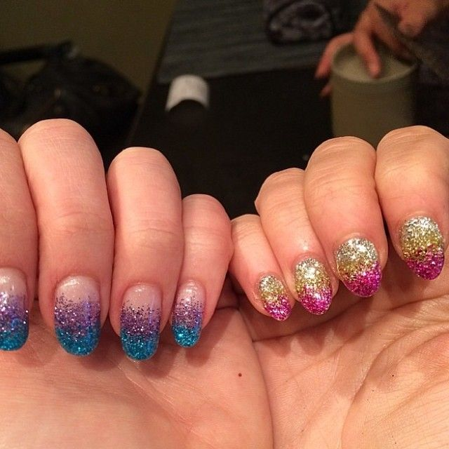 Best friend #glitter manicures with @ohyeaitssteph at @sakuranailspa! Guess which is mine? #sakuranailspa #glitterombre #glittermanicure #calgel #nailart #ombremanicure #nails