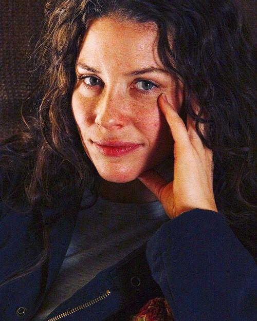 Teresa Lilimae Valdez née Danes, Age 39. Nita's Mother. [Face Claim: Evangeline Lilly]