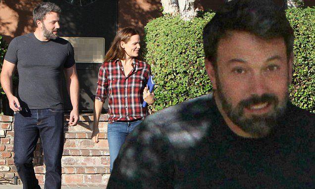 Ben Affleck can't stop smiling alongside estranged wife Jen Garner