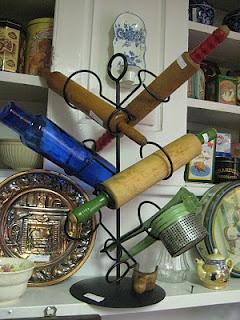 Useful Idea For Displaying Vintage Rolling Pins: Vintage Rolls, Wine Racks, Decor Ideas, Rolls Pin, Metals Wine, Kitchens Ideas, Display Vintage, Wine Bottle, Vintage Bottle Display Ideas