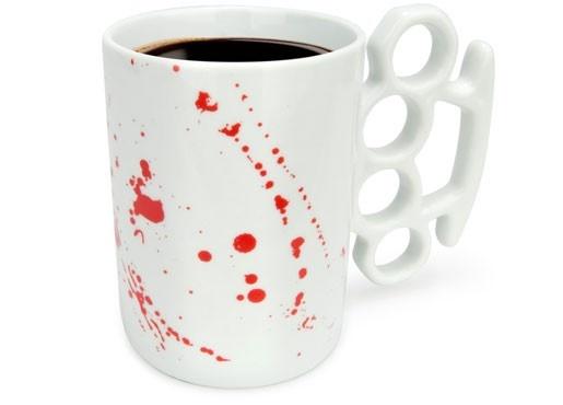 Kubek z kastetem / The brass knuckles Mug
