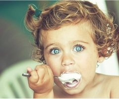 This child is gorgeous and I love the hair, eyes, and messy eating :): Baby Blue, Little Girls, Gorgeous Eye, Baby Girl, Ice Cream, Blue Eye, Beautiful Eye, Curly Hair, Icecream