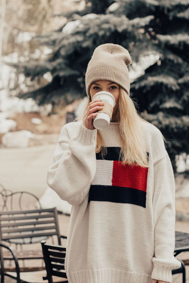 Vail, Colorado is absolutely stunning. With 5,289 skiable areas, 193 runs, 200 inches of snow per year, and the most amazing mountain views. Travel photography. Adorable Instagram Inspiration. Cute coffee pic