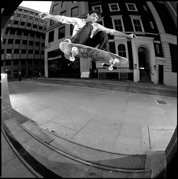 Olly Todd | Palace Skateboards| Frontside Ollie | London 2011