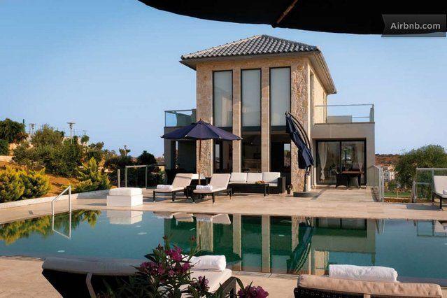 Luxury 4 bedroom villa in Akrotiri
