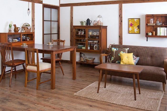 現代でも使いやすい飴色レトロ家具に囲まれたリビングダイニング - インテリア・家具 レイアウト写真集 | ラフジュ工房