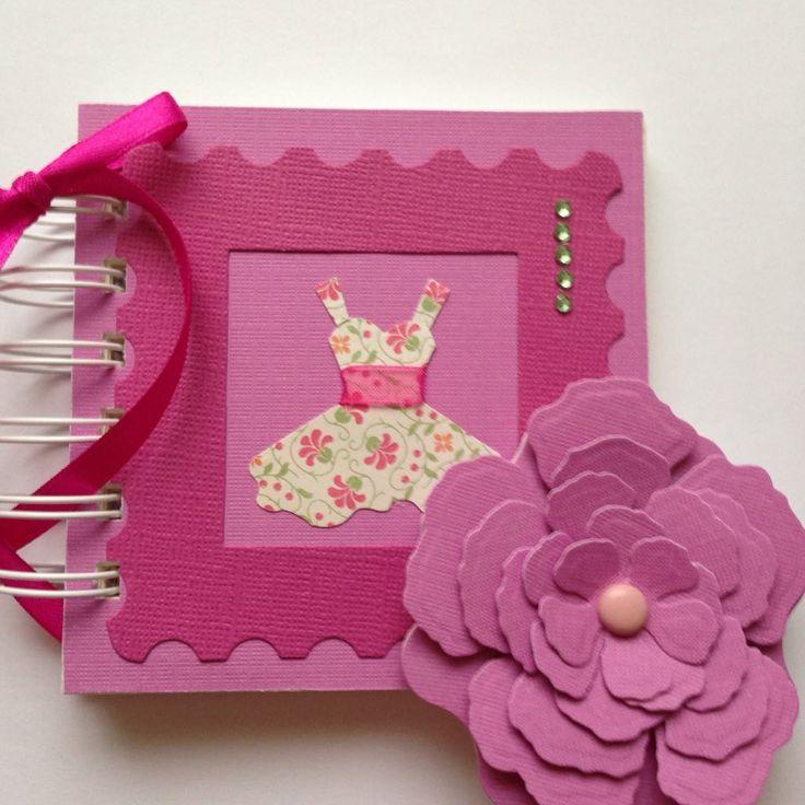 Lánybúcsúra ajándék album virág hűtőmágnessel