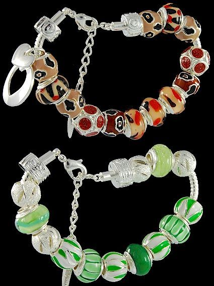 Wonderful Murano bracelet with lobster, enamel beads, glittering beads, fashion double-heart charm, locks. Five Pandora bracelet charms with 925 silver core. Below, bracelet with lobster, enamel beads, balls, fashion locks. Five Venetian glass beads with 925 silver core. Great online Murano glass jewelry.