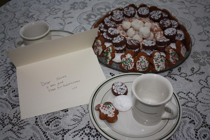 Bloggers participate in an Archway cookie challenge to make a holiday scene out of cookies