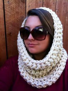 Cate Crochets: O Josephine Cowl {Um padrão de crochet livre}
