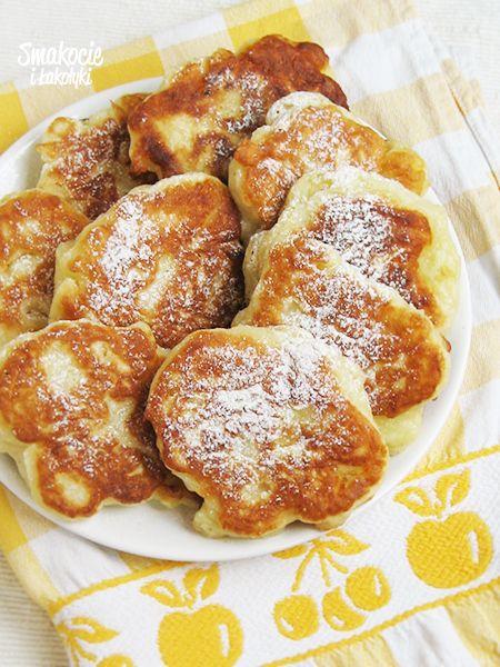 Smakocie i Łakołyki: Racuchy drożdżowe z jabłkami
