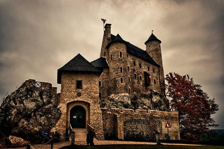Bobolice Castle by krychu84.deviantart.com