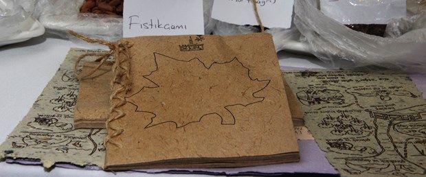 'Bir Kitap da Sen Dik' projesi kapsamında basımına yeni başlanan 'Balıkçıl ile Yengeç' adlı çocuk kitabı, okunduktan sonra ekilebiliyor ve bir süre sonra ağaca dönüşüyor.Uluslararası 118-K Yönetim Çevresi 1. Bölge Kulüpleri tarafından geliştirilen ve Anadolu…