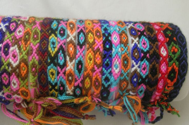 */* hand craft*/* Hippie - Bohemian - shabby -original design */*    colorful wool makramee bracelets ...  Aus wolle hergestellte bunte makramee armbänder... yünden renkli makrame bileklikler.
