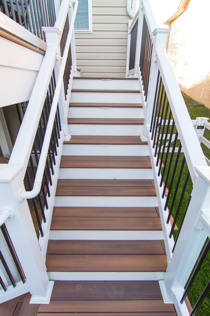 Composite Deck Steps   Bowie, MD; #Fiberon Composite Decking Steps With  White Vinyl Railing And Posts With Black Balusters.
