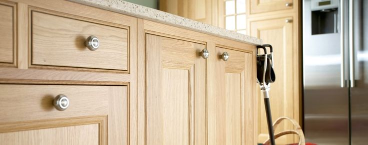 Tetbury natural oak inframe kitchen from Units Online