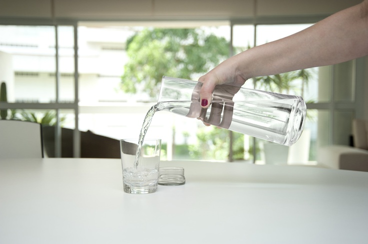 # 8 Glass Carafe - Keep and serve beverages in just one pot. It works like a bottle that fits in your refrigerator door and as a clean and delicate carafe to serve directly on the table. Its ergonomic shape offers the safety to handle and makes it even more elegant and unique.: Plastic Bottle, Delicate Carafe, Glasses Carafe