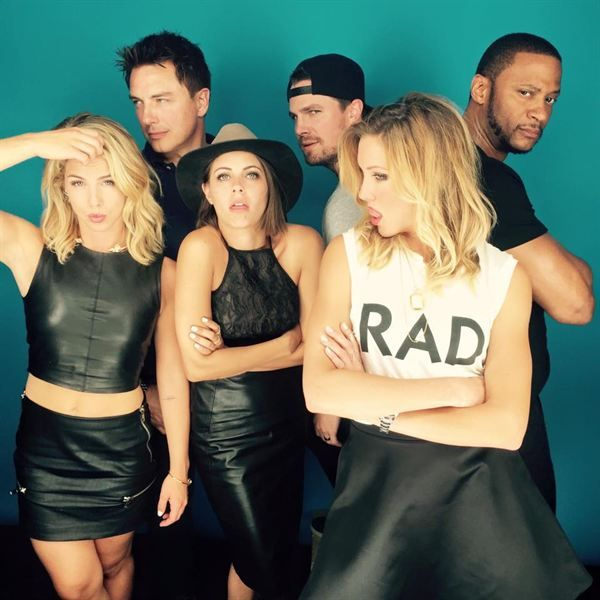 Muito amor por esse elenco da CW!! <3 <3 <3