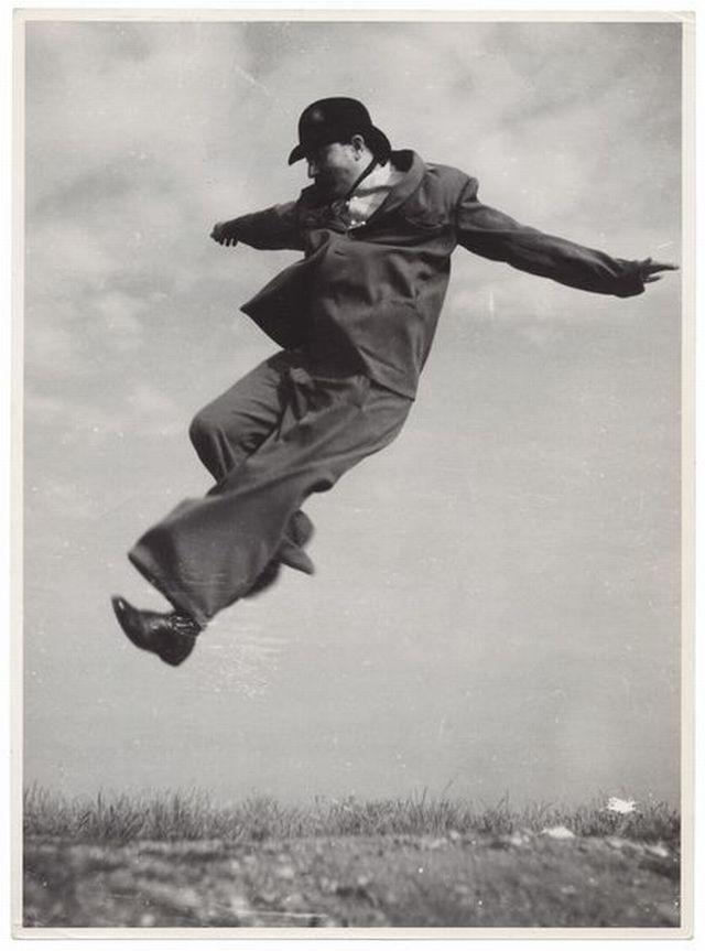 KAREL HAJEK (1900-1978)   MOUVEMENTS ET POSITIONS, 1935-38