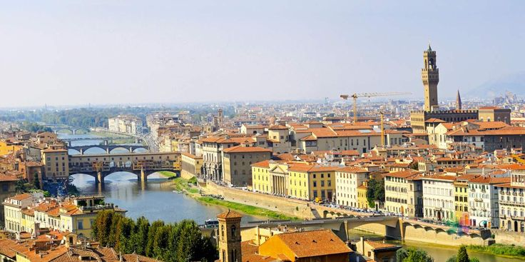 İtalya'nın en güzel şehirlerinden Floransa'ya gidenler için çok faydalı Floransa Gezi Rehberi. Gezilecek yerler, alışveriş, ulaşım, yeme içme