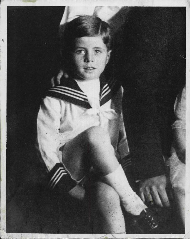 John Fitzgerald Kennedy | 1922    Rare picture of JFK at a very young age.