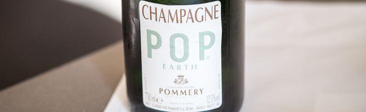 Pommery Champagne, Pop Earth, økologisk fra den største vingård i Champagne regionen. Et klassisk blend, dog er den helt CO2 neutral produceret. Så selv gode, dyre champagner er miljøvenlige. Frisk, rund og fyldig frugtsmag.