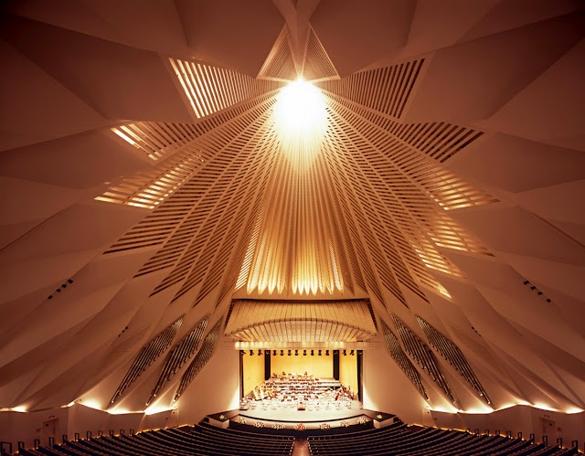 Auditorio de Tenerife by Santiago Calatrava. Photo via islasterritorio.blogspot.com