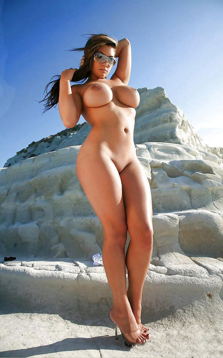 Simply magnificent Naked chicks with with wide hips